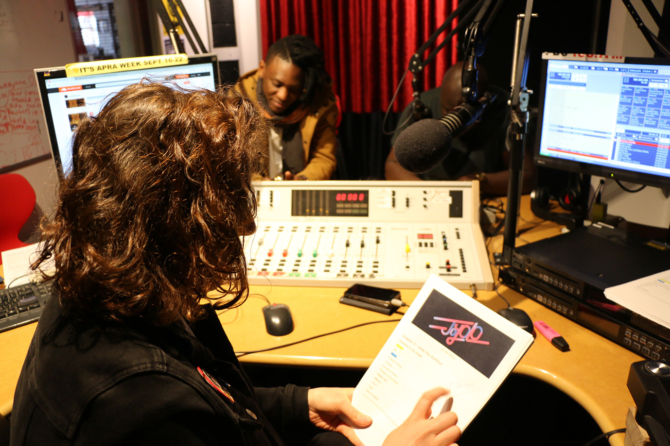 Tenda McFly Zii Music Rap JoYOLO Radio Story